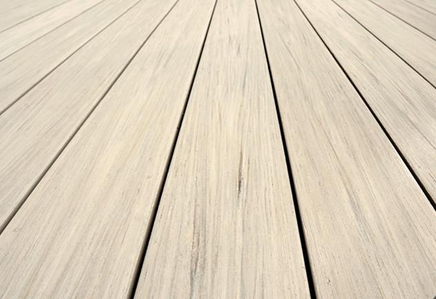 TimberTech Dielen aus Holzverbundwerkstoff